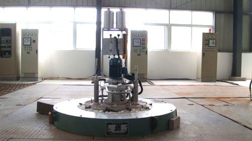 Well type carburizing furnace